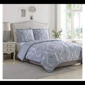 New gray patterned bedspread full/queen set